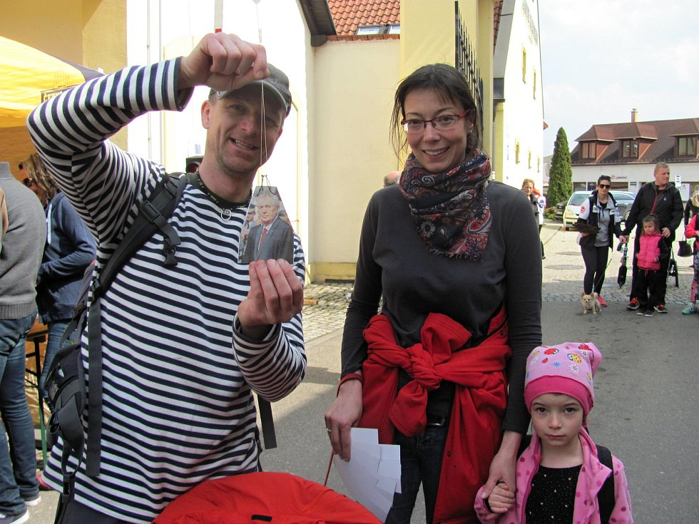 V Černé Hoře zahájili turistickou sezonu. Při té příležitosti zapsali nový český rekord.