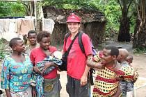 Nejmenší lidé světa se k blanenským cestovatelům chovali přátelsky. Pomáhala jim i kniha antropologa Šebesty.