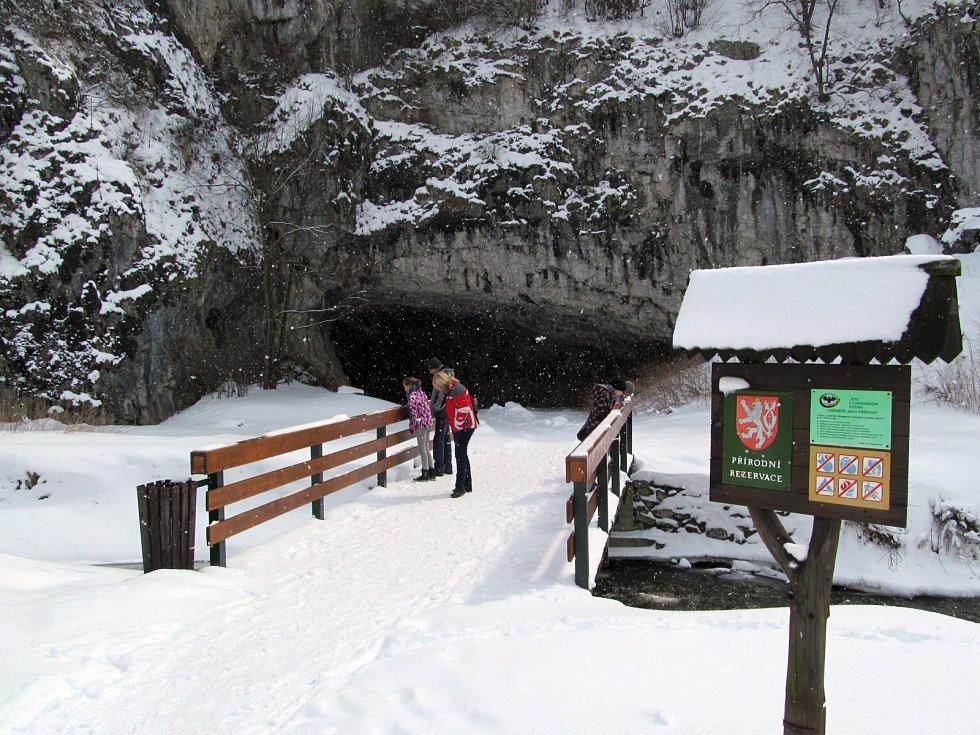 Moravský kras. Sloupské jeskyně v zimě 2013.