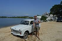 Michal Doležal z Adamova sbírá historická auta z bývalého východního bloku. Jeho srdcovou záležitostí jsou vozy značky Trabant. S nimi podniká expedice do zahraničí.