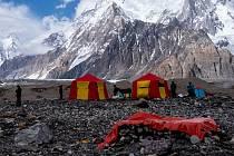 Filip Vítek z obce Kunice na Blanensku vyrazil s expedicí do Pákistánu. Výprava brněnského Expedičního klubu se chce dostat na velehorský štít Gašerbrum II. Na snímku pod horou K2.