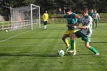 Ráječtí fotbalisté budou mít nový trávník. Nynější je starý pětadvacet let.