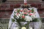 V sobotu odpoledne se ve křtinském barokním chrámu Jména Panny Marie stovky lidí rozloučily s nedávno zesnulým dlouholetým emeritním farářem Tomášem Prnkou.