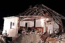 Výbuch dům v Olešnici úplně zničil. Statik tam zakázal vstup.
