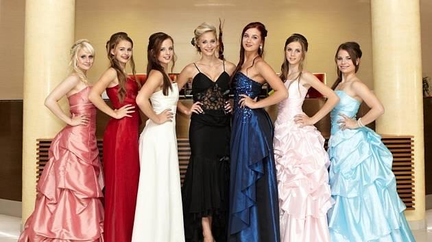 FINALISTKY. V sobotu vyhlásí v Blansku v Dělnickém domě Dívku a Princeznu aerobiku 2012.