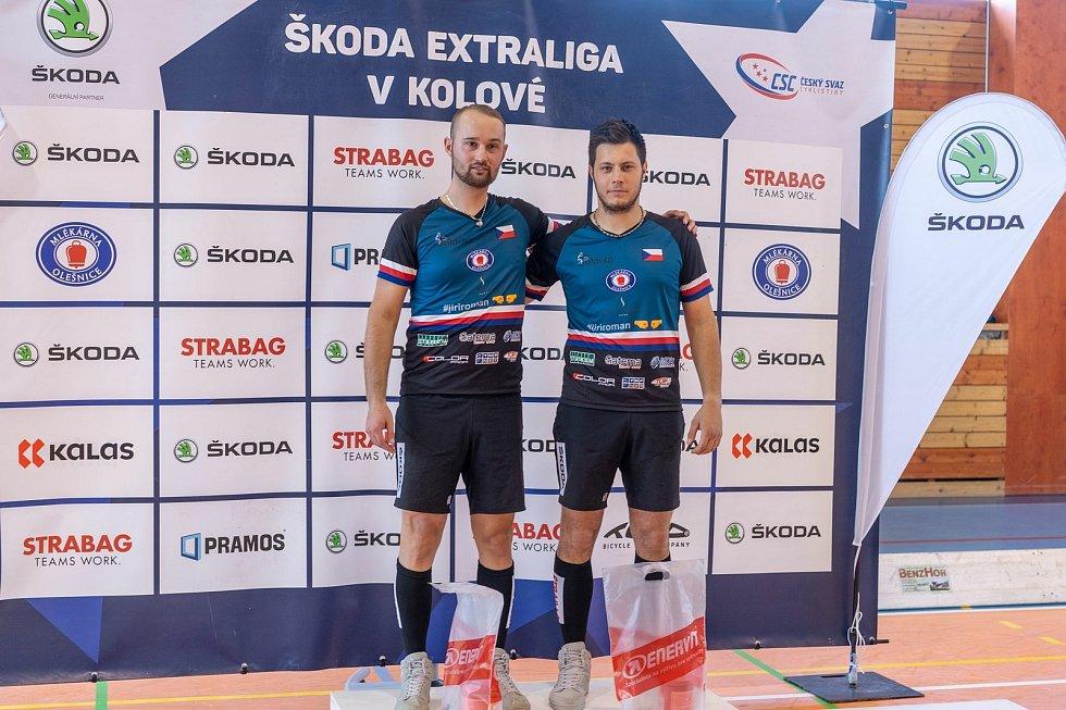 VÍTĚZNÁ DVOJICE. Druhé extraligové kolo patřilo dvojici ze Svitávky, vítězství oslavili Roman Staněk a Jiří Hrdlička mladší.