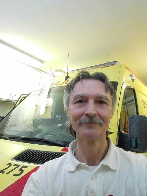 Lubomír Kleveta zBoskovic jezdil pětatřicet let jako řidič záchranky.