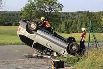 Hasiči z Vyškova a Jedovnic pomáhali odstranit následky nehody u Bukovinky.