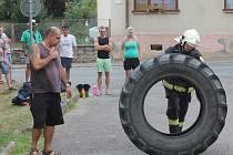 Olešničtí hasiči pořádali v sobotu první ročník závodu v silovém víceboji. Soutěžilo v něm dvacet mužů a pět žen.