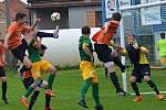 Ve 27. kole krajského přeboru rozdrtila Olympia Ráječko (zelené dresy) FC Ivančice 10:1.
