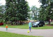 Milovníci guláše obsadili zámecký park.