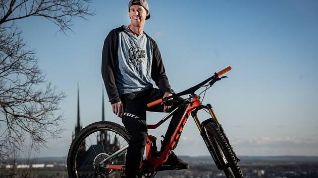 MISTR NA KOLE. Blanenský biketrialista Václav Kolář se stal pošesté světovým šampionem. Foto: archiv Václava Koláře