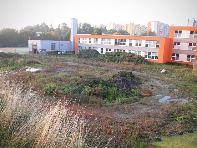 Boskovičtí zvažují, jak naloží se stavební jámou, kde původně měla stát sportovní hala.