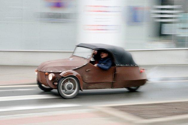 Jan Šustáček je také fanda plátěných vozítek značky Velorex.
