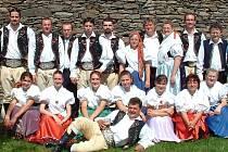 Soubor Kořeňák drží tradici tanců a krojů
