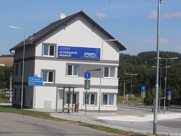Autobusové nádraží v Letovicích.
