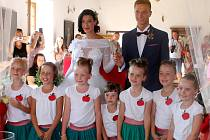 Na svatebně vyzdobený blanenský zámek přijela se svým princem i Sněhurka a sedm trpaslic.