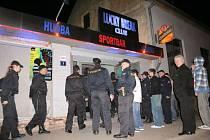 Policejní kontrola na blanenské diskotéce Lucky Break