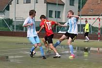 Finálový turnaj poháru v malé kopané vyhráli fotbalisté Lhoty u Lysic.