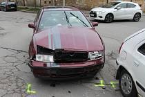 Lehké zranění a škoda sedmdesát tisíc korun. Tak skončila středeční dopravní nehoda dvou osobních aut v boskovické ulici Švermova. Ke střetu došlo před devátou hodinou ráno.