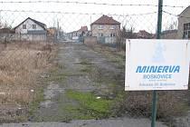 Ulice Sokolská je v Boskovicích ve špičkách přetížená, odlehčit jí má převedení provozu na Štefánikovu. Její spodní úsek je však zatím neprůjezdný. Obyvatelé ulice se však zprůjezdnění brání.