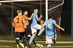 V posledním podzimním utkání krajského přeboru fotbalistů porazil FC Boskovice (v modrém) tým FC Ivančice 4:1.