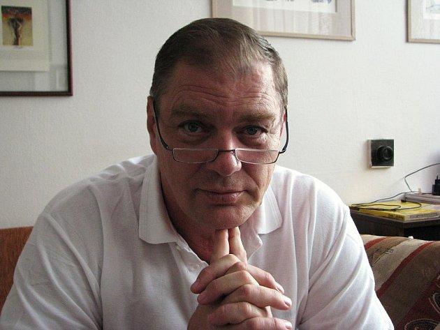 Gynekolog a porodník Jan Machač zBoskovic.