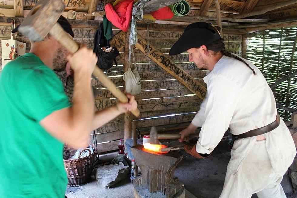 Již po osmnácté se v Josefovském údolí konala akce nazvaná Slované na huti. Pořadatelé přiblížili návštěvníkům řemesla a život v raném středověku.