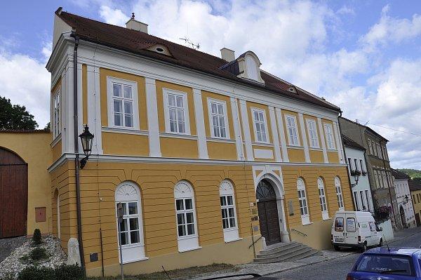 Opravená synagoga a rabínský dům vBoskovicích se slavnostně otevřou návštěvníkům.