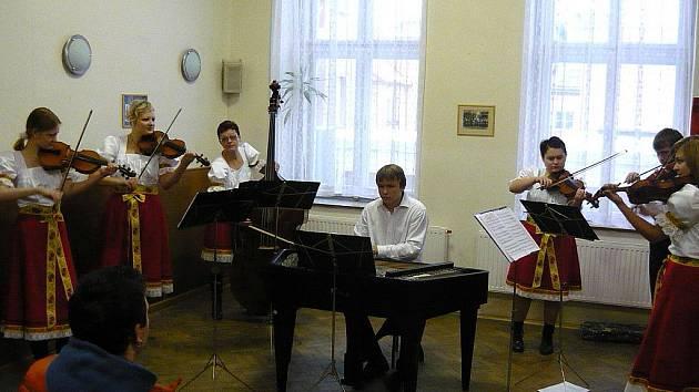 Cimbálová muzika ZUŠ Blansko.