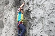 Na základní škole ve Sloupu provozují horolezecký kroužek. Využívají stěny v tělocvičně. Na konci školního roku ti nejlepší z žáků zdolávají známou skálu Hřebenáč.