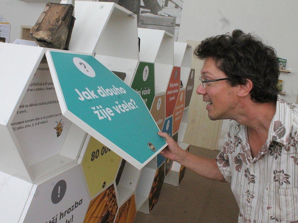 Veselice láká turisty na další zajímavost. Po známé rozhledně Podvrší si mohou nově prohlédnout Muzeum včelařství Moravského krasu.