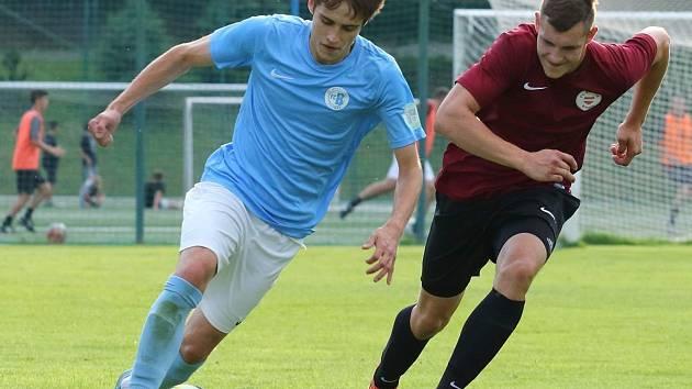 V posledním utkání tohoto ročníku krajského přeboru fotbalisté Boskovic (modré dresy) prohráli se Spartou Brno 1:3.