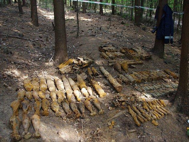 Některé zblanenských nálezů, ke kterým přijeli brněnští pyrotechnici.