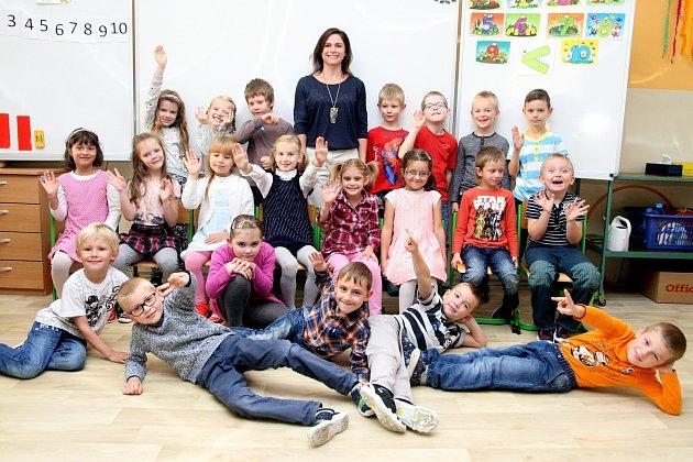 Žáci ze ZŠ Lipůvka spaní učitelkou Gabrielou Jízdnou.