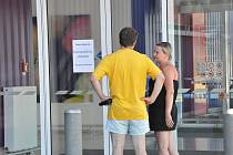 Prodejna Tesco v Boskovicích na Chrudichromské ulici byla v pátek uzavřená.