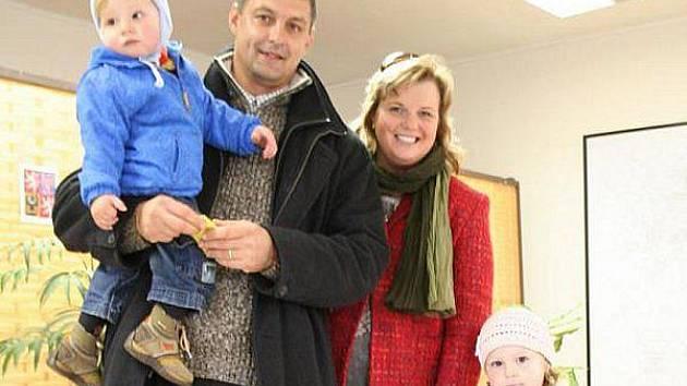 Bývalý cyklista Jozef Regec je senátorem za Blanensko (na snímku s rodinou).