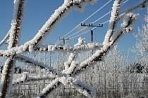 Zasněžená a namrzlá zimní krajina na Blanensku