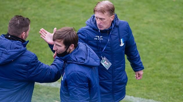Blanenský kouč Oldřich Machala (vpravo) neměl po utkání s Ústím mnoho důvodů k úsměvu.