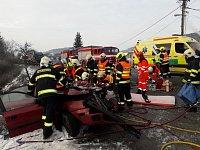 Nehoda v Závisti na Blanensku. Pro vážně zraněného muže přiletěl vrtulník.