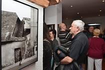 Soubor fotografií zachycuje bývalou podobu města a život Letovických před víc jak pětadvaceti lety.