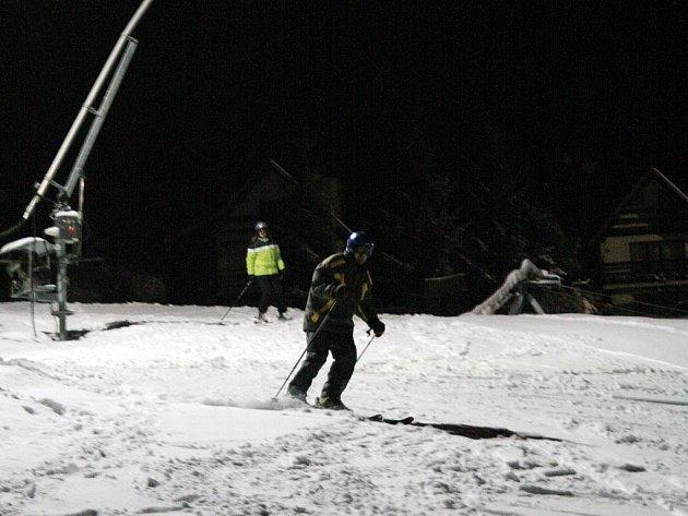 Po několika týdnech mohou lyžaři opět vyrazit na sjezdovku do Hořic.