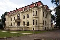 Zahradní průčelí tzv. Velké Low-Beerovy vily ve Svitávce.