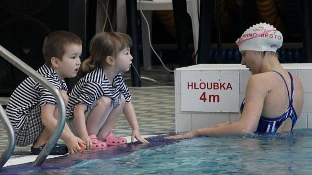 Závod Blanenská dvěstěpadesátka má podle pořadatelů simulovat záchranu tonoucího ve vodě. A rozličné disciplíny pořádně otestovat techniku a výdrž záchranářů.