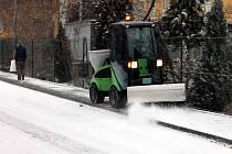 Na čertvě napadaný sníh a ledovku si musí dávat řidiči na Blanensku pozor.