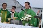 Svou první mši po vysvěcení na kněze sloužil Martin Mokrý.