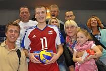 Volejbalová kariéra Davida Janků z Letovic nabrala obrátky. Nyní je talentovaný smečař v extraligovém týmu VK ČEZ Karlovarsko a čeká na svou šanci.