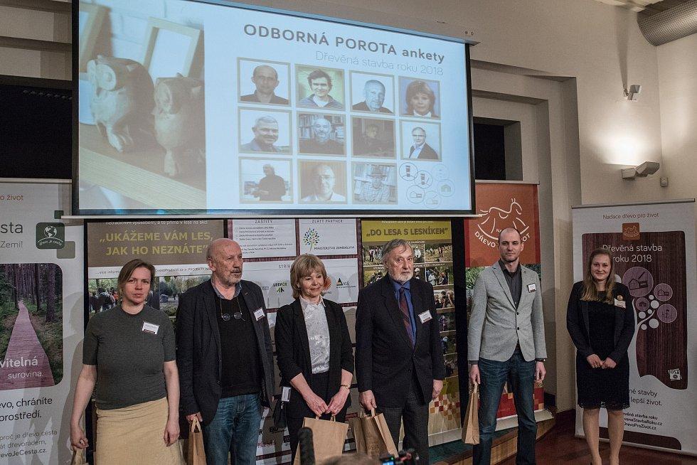 Ve středu převzali ocenění vítězové v anketě Dřevěná stavba roku 2018.  Foto: David Surovec