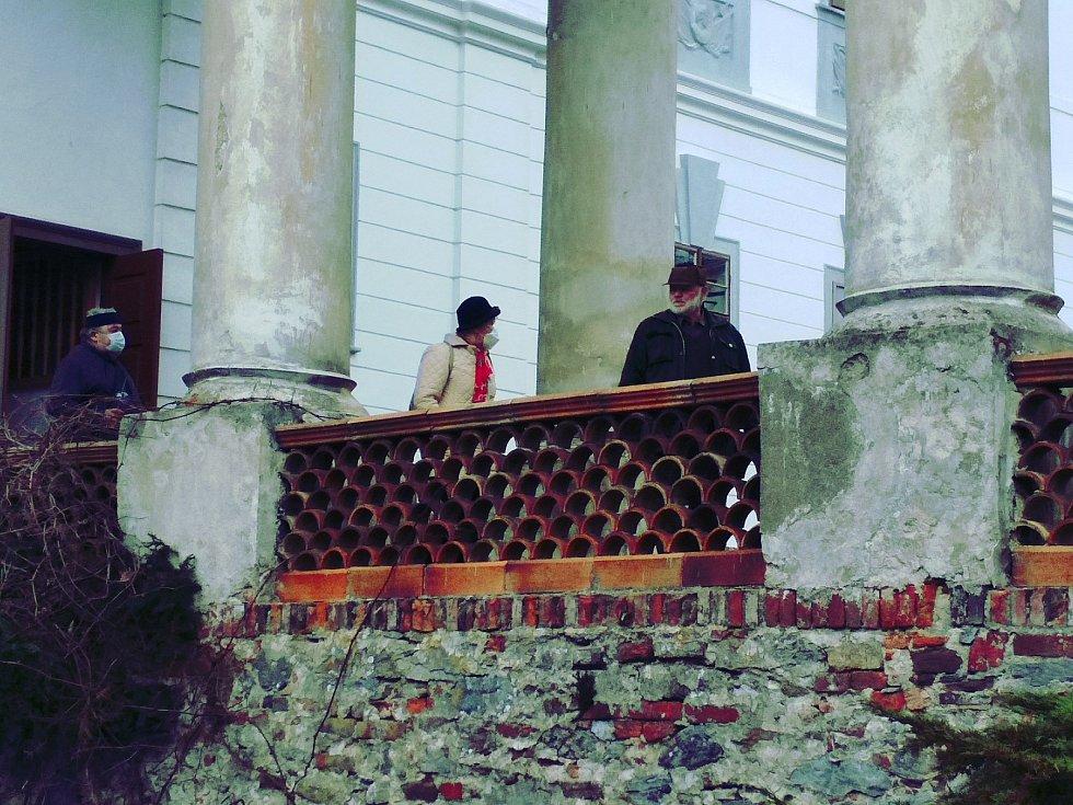 Otevřela zámecká zahrada v Lysicích