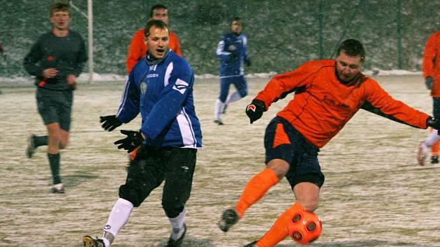 Ve druhém kole zimního fotbalového turnaje Artézia cup v Boskovicích porazil domácí FC Forman Březovou nad Svitavou 2:1